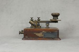 sarnoff_telegraph_key